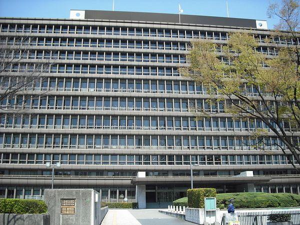 800px-Osaka-High-Court02[1]